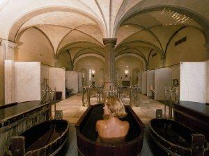 В Фридрихсбаде есть достаточное количество бассейнов как с холодной минеральной водой, так и с подогревом