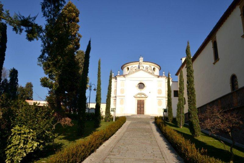 Монастырь в Абано Терме