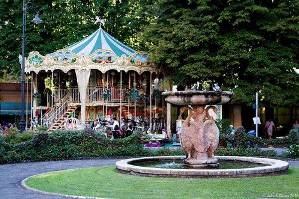 Фото карусели в парке Монтекатини Терме