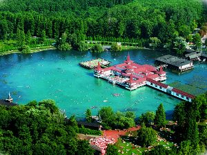 Лечение на термальном курорте Хевиз в Венгрии - это волшебный отдых и сказочное здоровье