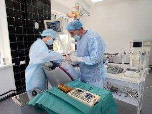Процесс имплантации зубов в Израиле