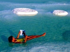 Целебные воды Мёртвого моря на благо лечения суставов