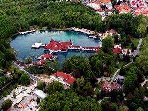 Озеро Хевиз в Венгрии - хорошее место для лечения суставов